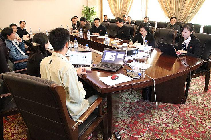 Teilnehmer in Austausch über Mundok MBR.