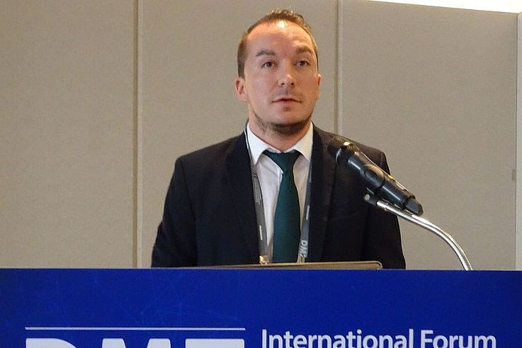 Felix Glenk spricht über Naturschutz und internationale Zusammenarbeit in Nordkorea.