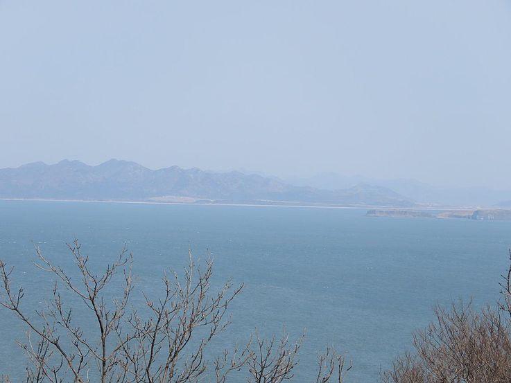 Nordkoreas Küstenlinie kann mit bloßem Auge gesehen werden.