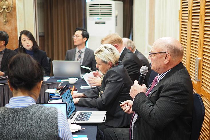 Thomas Fisler (früherer Repräsentant der Swiss Development Cooperation) sprach über das Leben in Nordkorea