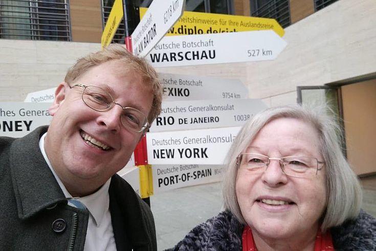 Dr. B. Seliger und Doris Hertrampf