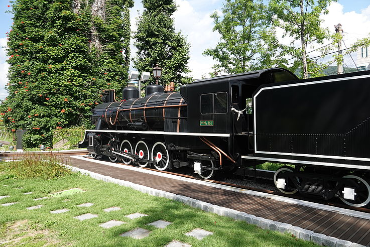 Traditionelle Lokomotive beim Yeoncheon-Bahnhof