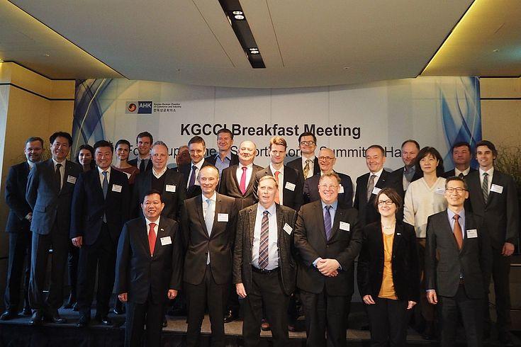 Gruppenfoto der Sitzungsteilnehmer