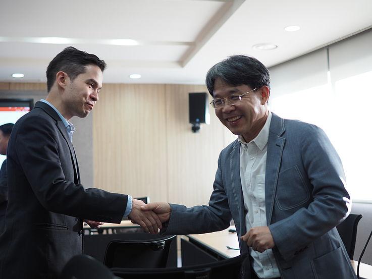 Dr. Christoph Nguyen (Free University of Berlin) and Prof. Tobin Im (SNU)